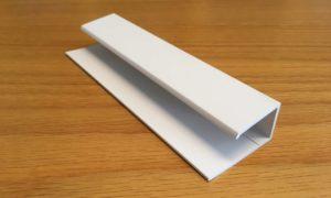Enkel U-profil till plastfasad